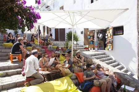 Ontspannen bij bar S'Escalinata, Eivissa