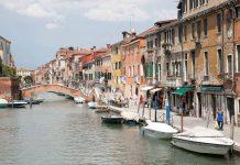 De wijk Cannaregio in Venetie