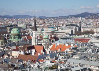 Zicht op Wenen vanaf de Stephanskirche
