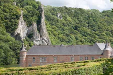Wandelen in de Ardennen: Château de Freÿr