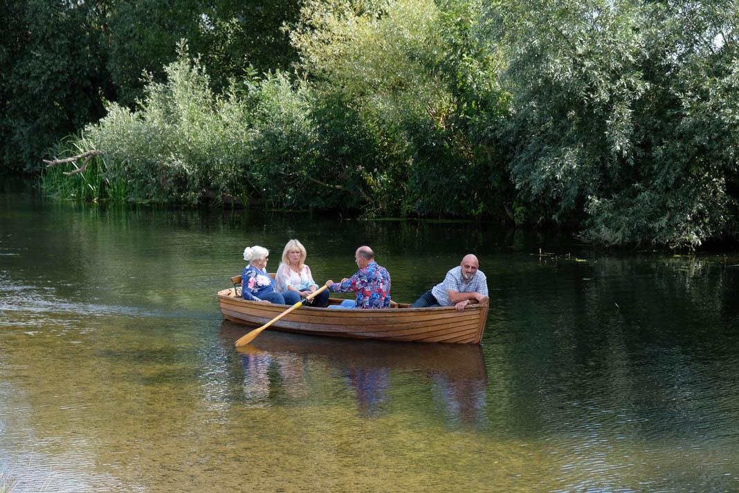 Roeiboot op de rivier de Stour bij Dedham